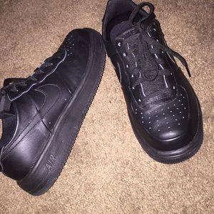 Black Nike Air Force 1 🖤